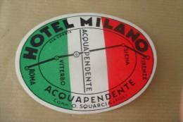 Etiquette D'hotel  Art Deco Pub MILANO ACQUAPENDENTE - Etiquettes D'hotels