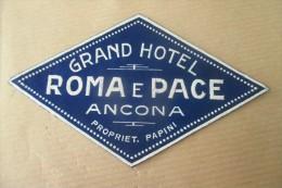 Etiquette D'hotel  Art Deco Pub HOTEL  GRAND HOTEL ROMA E PACE ANCONA - Etiquettes D'hotels