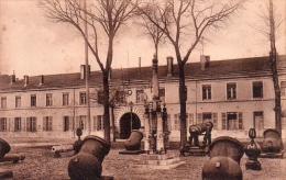 Cpa      Rochefort-sur-mer   Direction D Artillerie Canons Provenant De La Guerre Du Mexique  1755 ( Sepia ) - Rochefort