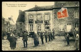 Cpa Du 22 Un Mariage à Plaintel  - La Ronde     AA3 - Loudéac