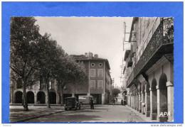 REALMONT-N °205-  Rue De L ´hotel De Ville -autos Et Camionnette -années 40-50- - Realmont