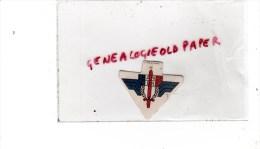 MILITARIA - GUERRE 1939-1945- WW2- INSIGNE  CARTON FRANCE LIBRE - RESISTANCE - AVEC SON EPINGLE NOIRE D'ORIGINE - 1939-45