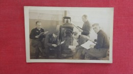 RPPC German  Ww 2 Soldiers By Stove 875 - Guerra 1939-45