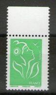 N° 3733**_Fort Décentrage_bord De Feuille - 2004-08 Marianne De Lamouche