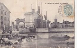 CPA Ruelle Entrée De La Fonderie - Animée - Frankrijk