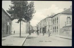 Cpa Du 55 Etain  - Rue De Metz     AA7bis - Etain