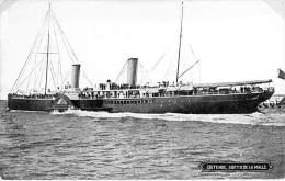 "BATEAU ( BELGIQUE ) PAQUEBOT "" LA MALLE "" En Sortie à OSTENDE - CPSM - Kreuzfahrtschiff Cruiseschip Pakkeboot - Steamers"
