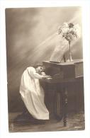 FANTAISIE - Fillette Endormie Sur Un Piano - Fille, Enfant, Musique (Y208)v - Autres