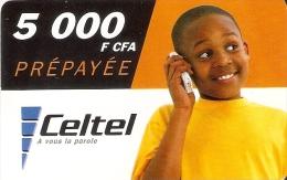 TARJETA DE GABON DE 5000 FCFA DE CELTEL, DE UN NIÑO CON MOVIL - Gabon