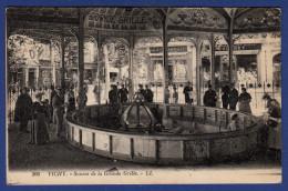 03 VICHY Source De La Grande Grille - Animée - Vichy