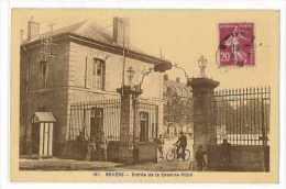 CPA 58 NEVERS ENTREE DE LA CASERNE PITTIE - Nevers