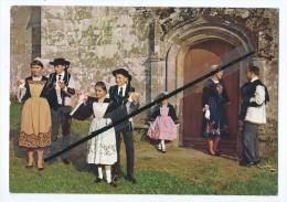 """CPM - Folklore De Bretagne - Groupe Folklorique """"Kerlen Pondi"""" Pontivy - Pontivy"""