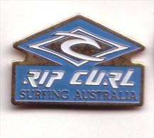 SP460 Pin´s SURF SURFING AUSTRALIA AUSTRALIE RIP CURL  Achat Immediat - Water-skiing