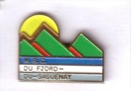 VF338 Pin´s Ville Village CANADA MRC Du Fjord Saguenay Achat Immediat - Villes