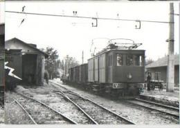 CP Trains - 13 B D R - Fourgon Automoteur V3 En Tète D'un Train Marchandises à Arles - Cp N° 613.1 - Arles