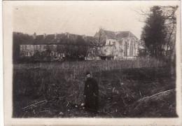 Photo Avril 1918 LACHALADE (près Clermont-en-Argonne) - L'abbé Et Son Abbaye (A110, Ww1, Wk 1) - Non Classés