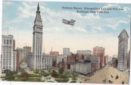 Cpa - USA - Madison Square Metropolitan Life And Flat Iron Building  ( En L´état ) - Places & Squares