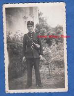 Photo Ancienne - Portrait D'un Policier ? Voir Uniforme Et Arme - Guerre, Militaire