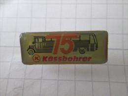 Ansteckbrosche Kässbohrer 75 Jahre Jubiläum - Unclassified