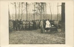 CARTE PHOTO MESSE DANS LES BOIS DE L'ARGONNE ECRITE PAR UN SOLDAT DU 263em ARTILLERIE ABBE MAITRILLAT VOIR LES 2 SCANS - Guerre 1914-18