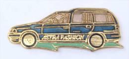Pin's  OPEL ASTRA FASHION - Démons & Merveilles  - E206 - Opel