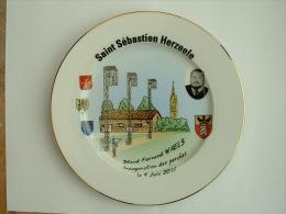 ASSIETTE TIR A L�ARC  - STAND FERNAND WAELS HERZEELE INAUGURATION DES PERCHES 4 JUIN 2011