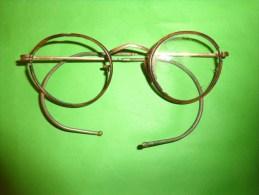 Lunette Ancienne Matiere Doree  A Determiner Et Ecaille ? Branche Tres Souple - Brillen