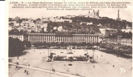 POSTAL   LYON  -FRANCIA  - LA PLAZA BELLECOUR  (LA PLACE BELLECOUR - Lyon