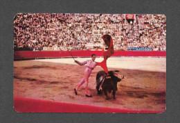 CORRIDA - EL PASE DE PECHO MEXICO - BULL FIGHT SCENE - CHEST PASS EXCECUTED BY MATADOR JULIO APARICI0 - PHOTO MARK TUROK - Corrida