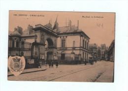 CPA  NANTES  L'HOTEL DE VILLE (au Fond La Cathédrale) - Nantes