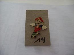 PIN´S - SEGA   Sonic - Super Mario      -   Voir Photo ( 14 ) - Spelletjes