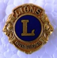 PIN-15 CUBA HISTORICAL  PIN LIONS INTERNACIONAL. LEONES. - Pins