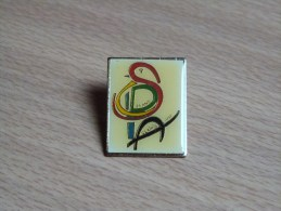 PIN´S SOCIETE PROTECTRICE DES ANIMAUX. SPA. 24X30MM - Associations