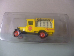 CAMION CHEVROLET CON PUBLICIDAD De SCHWEPPES - Corgi Toys