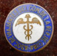 PIN-36 CUBA HISTORICAL ASOCIACION VIAJANTES. MEDICINA - Badges
