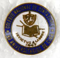 PIN-37  CUBA HISTORICAL PIN COLEGIO DE CONTADORES. - Badges