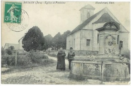 BESAIN Eglise Et Fontaine Animation 1er Plan Jura  CPA - Frankrijk