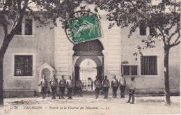 TARASCON  ( 13 )  ENTRÉE  DE  LA  CASERNE  DES  HUSSARDS - Tarascon