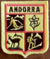 Patch Écusson Tissu Touristique : Andorre - Andorra - Skieur - Edelweiss - Chamois - Alpiniste - Ecussons Tissu