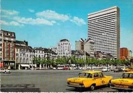 AUTOMOBILES VOITURES CARS - Bon Plan Arrière TAXI Berline MERCEDES W 111 - BRUXELLES Place Louise Hotel Hilton Belgique - Passenger Cars