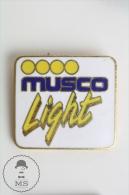 Musco Sports Lighting Advertising Pin Badge #PLS - Marcas Registradas
