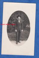 Photo Ancienne - Portrait Homme Noir En Costume Chapeau - Cigarette Black Man Boy Mode Fashion Hat - Beau Cliché - Ohne Zuordnung