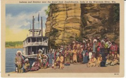 Indians And Steamer Riverboat, Wisconsin Dells Stand Rock Amphitheatre C1940s Vintage Curteich Linen Postcard - Native Americans