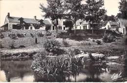 GAMBAIS 78 - Les Quatre Piliers - CPSM Dentelée Noir Blanc Format CPA - Yvelines - Autres Communes