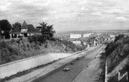 CHÂTILLON SOUS BAGNEUX - HAUTS DE SEINE  (92)  -  CPSM DENTELEE DES ANNEES 1950 - VEHICULES ANCIENS . - Châtillon