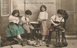 """ENFANTS - LITTLE GIRL - MAEDCHEN -  Jolie Carte Fantaisie Enfants """"Ce Qu'il Faut Faire Dans Un Ménage"""" (lessive, Cirage - Portraits"""