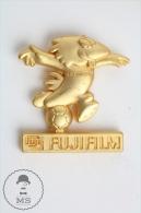 France 1998 FIFA World Cup - Footix Mascot Gold Colour - Fujifilm Advertising Pin Badge #PLS - Fútbol
