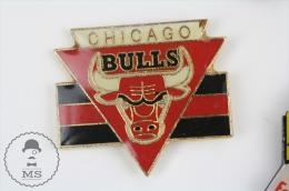 Chicago Bulls Basketball Team Logo Pin Badge #PLS - Baloncesto