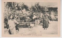INDOCHINE VIETNAM  TONKIN  DOSON  CPA  LES PORTEUSES DE CHAISE  Réf  2610 - Vietnam