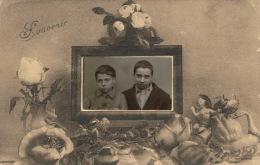 ENFANTS - Jolie Carte Photo Souvenir D'École Avec Portrait Petits Garçons - Portraits